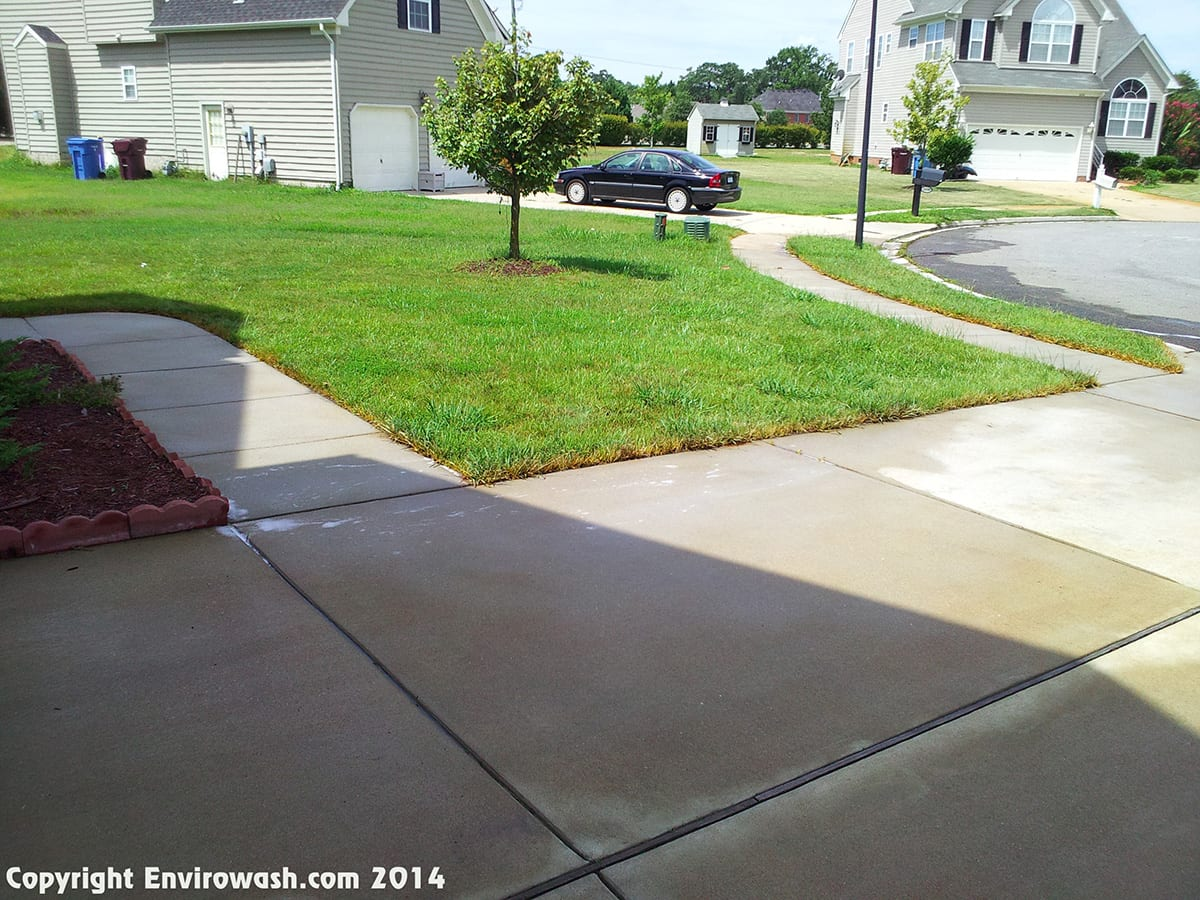 Driveway cleaning concrete cleaning services newport for Concrete cleaning service